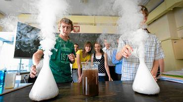 Eksperymenty chemiczne w gimnazjum nr 26 w Poznaniu
