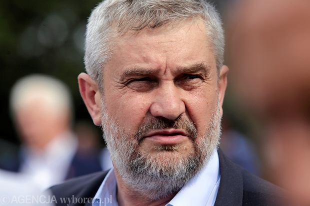 Jan Ardanowski: Budowa płotu przeciw dzikom będzie niebezpieczna