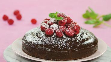 Malinowo-czekoladowe ciasto zebra