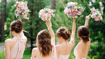 Fryzura na wesele. Zdjęcie ilustracyjne