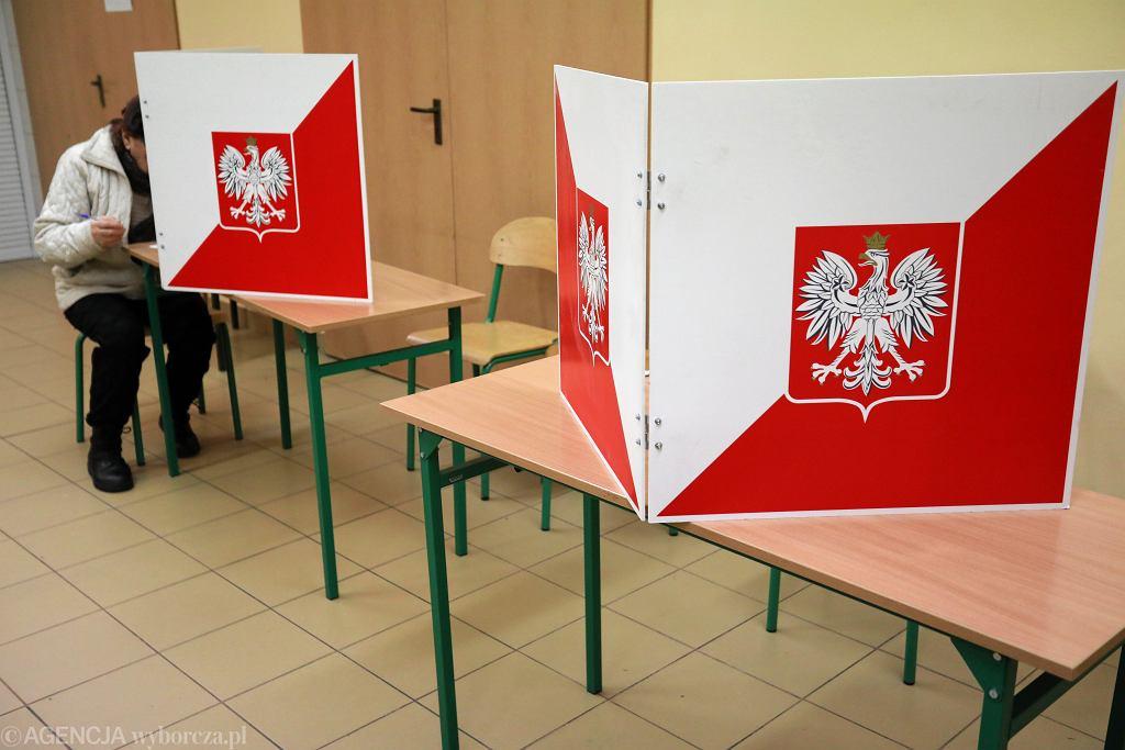Sondaż: Tylko 20 proc. Polaków chce iść na wybory prezydenckie 10 maja (zdjęcie ilustracyjne)