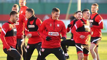 Kiedy Euro 2021? Kiedy mecze reprezentacji Polski? Z kim zagra drużyna Paulo Sousy? [Terminarz EURO 2021, mecze Polaków]