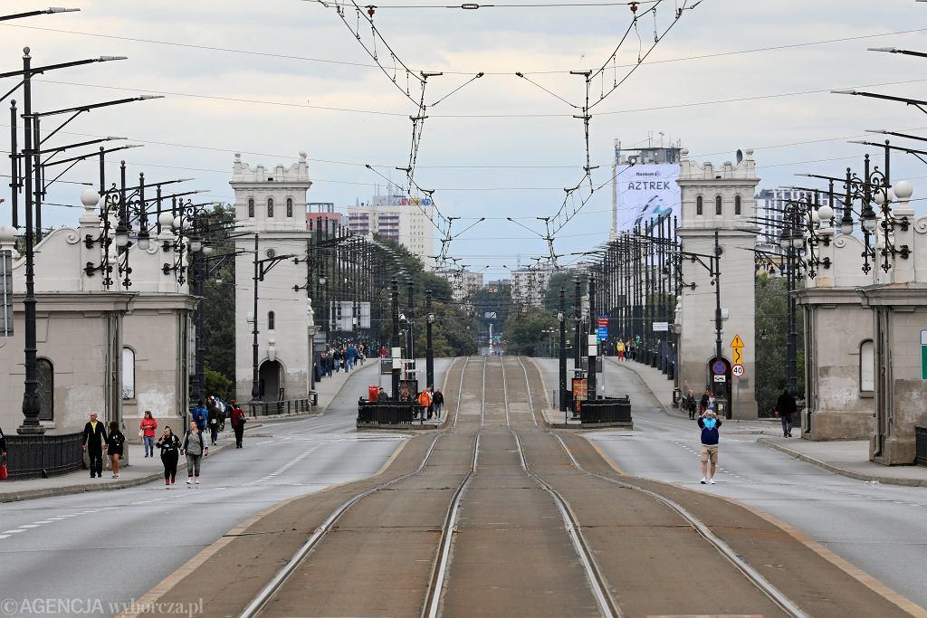 Most Poniatowskiego w lipcu 2018 r. - wyjątkowo bez samochodów i tramwajów, bo ruch zamknięto w związku z kręceniem zdjęć do filmu 'Kurier'