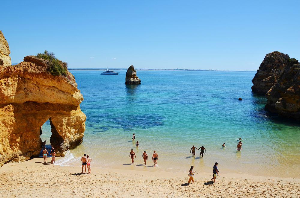 Algarve to jeden z najpopularniejszych regionów Portugalii