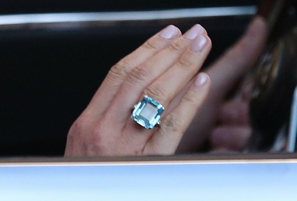 Meghan Markle na własnym ślubie (pierścionek księżnej Diany)