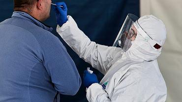 Onet: rząd kupuje droższe testy na koronawirusa z zagranicy, ignorując te z Polski, które są tańsze (zdjęcie ilustracyjne)