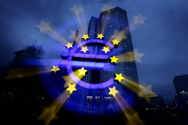 Maszyny drukarskie przyspieszają. A euro się umacnia. Absurd?