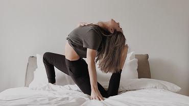 Włącz poranny stretching do swojej rutyny