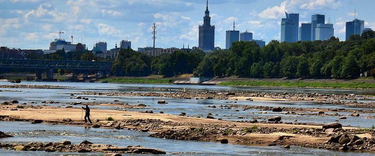 Wisła w Warszawie ma niecałe pół metra i wciąż wysycha. Prawdopodobnie padnie historyczny rekord