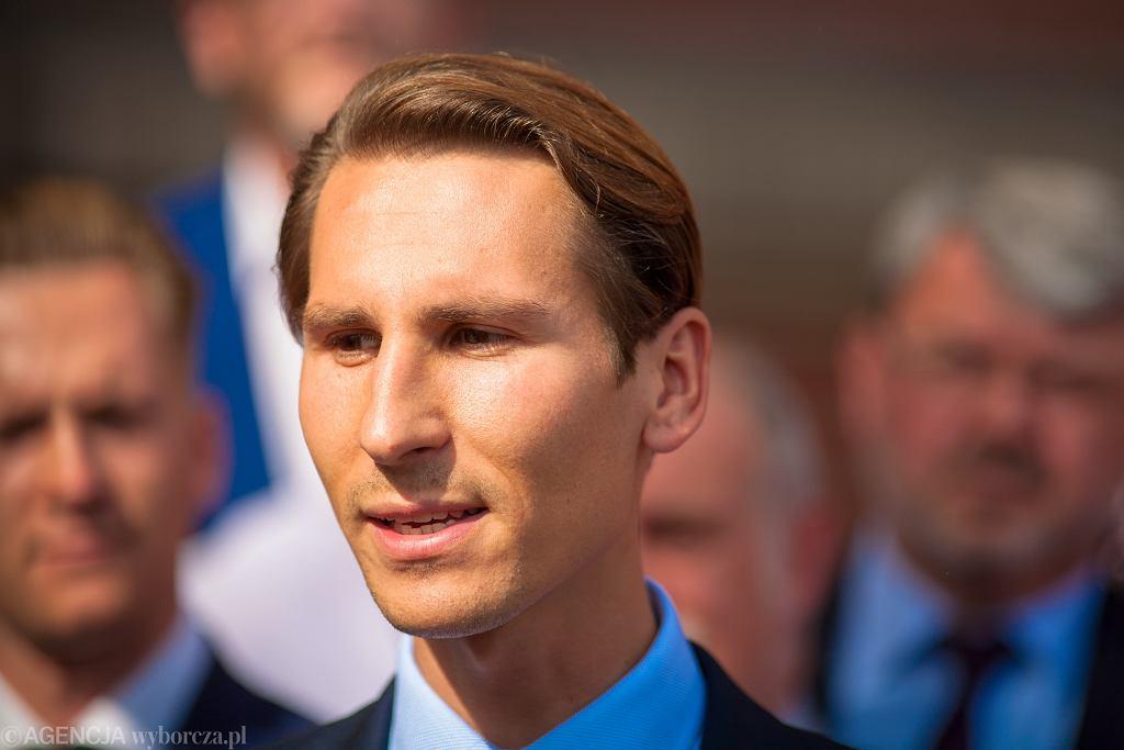 Wybory samorządowe 2018 w Gdańsku. Partia Republikańska poparła kandydaturę Kacpra Płażyńskiego (PiS)