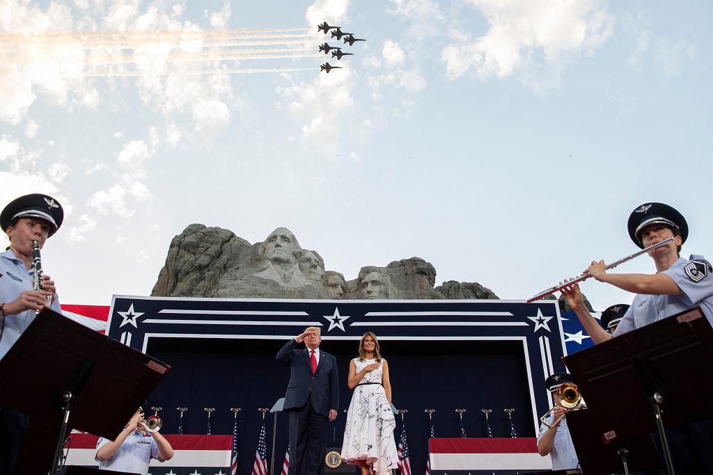 Wiec Donalda Trumpa w przy Górze Rushmore