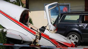Samolot jednosilnikowy rozbił się na prywatnej posesji