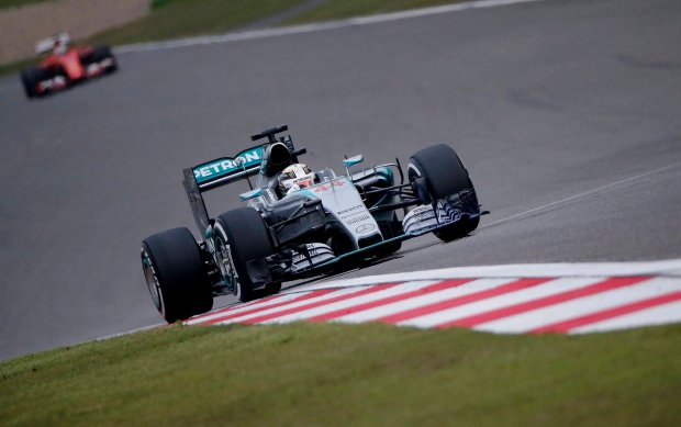Formuła 1. Podwójne zwycięstwo Mercedesa, Hamilton triumfuje po raz 35.