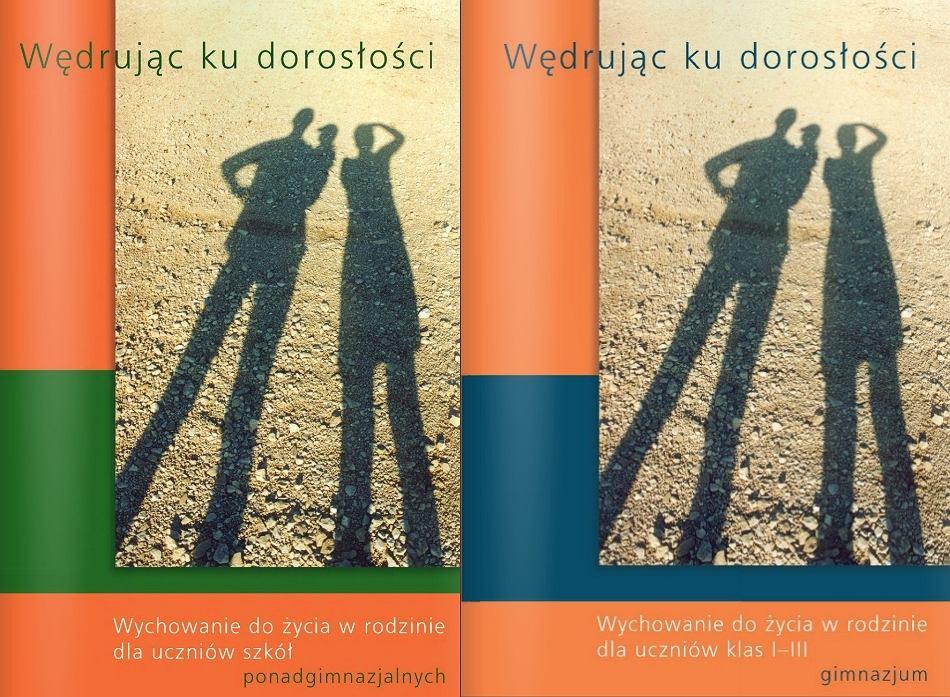 Okładki podręczników 'Wędrując do dorosłości'
