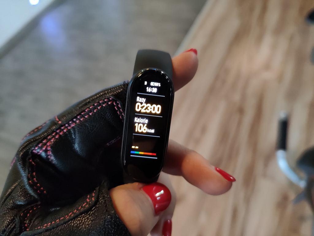 Czy Xiaomi Mi Band 6 przynosi spodziewane zmiany? Sprawdzamy!