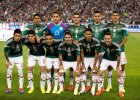 Mundial 2014. Dlaczego Meksykanie zginają ręce na hymnie