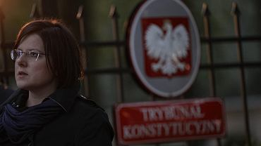 Różaniec w intencji zaostrzenia ustawy antyaborcyjnej, zorganizowany przez Kaję Godek przed Trybunałem Konstytucyjnym w Warszawie