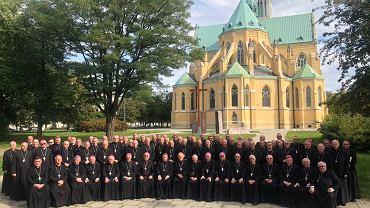 Wspólne zdjęcie Księży Biskupów podczas 387. Zebrania Plenarnego KEP