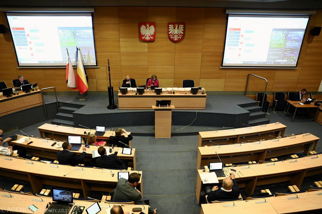 Sejmik Województwa Małopolskiego / głosowanie nad uchyleniem uchwały anty-LGBT