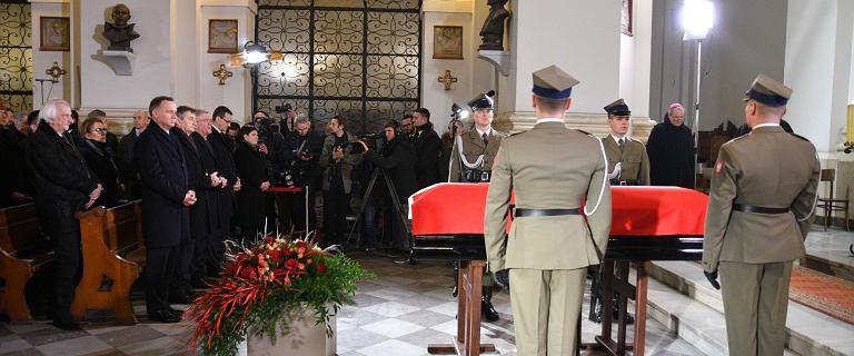 Kondukt żałobny z ciałem Jana Olszewskiego dotarł do sanktuarium