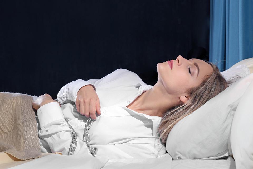 Paraliż Senny Czyli Dziwny Stan Pomiędzy Jawą A Snem Czy Można Mu Zapobiec Objawy Przyczyny Leczenie