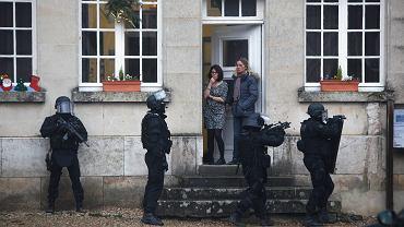 Ponad 1800 policjantów i blisko tysiąc żołnierzy patroluje ulice Paryża