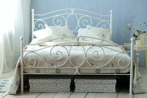 TREND: metalowe łóżka - najciekawsze propozycje