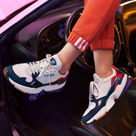 4669e2b14d7ce Kultowe modele butów Adidas w promocyjnych cenach