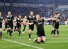 PSG chce zemścić się na Barcelonie i sprowadzić gwiazdę Ajaksu. W grze jest też Manchester United