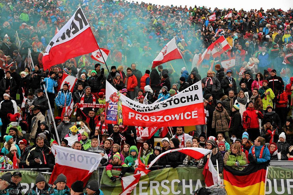 Polscy kibice podczas konkursu skoków w Turnieju Czterech Skoczni . 4 styczeń 2014 , Innsbruck , Austria