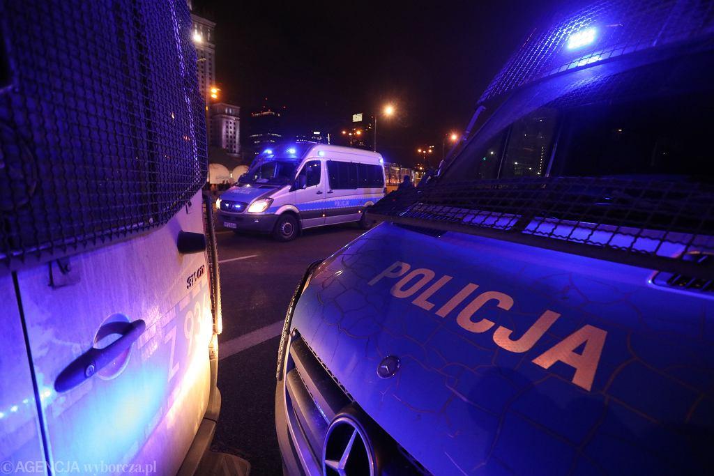 Skoki. Po 24-godzinnej obławie policja zatrzymała domniemanego gwałciciela