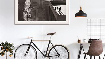 Telewizor jak malowany! Samsung zaproponował rozwiązanie, dzięki któremu czarny prostokąt pięknie wkomponuje się w domową przestrzeń.