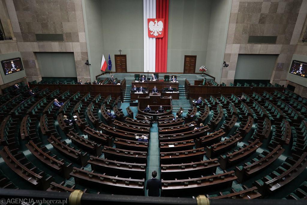 Pandemia koronawirusa. Trzeci dzien 9. posiedzenia Sejmu IX Kadencji