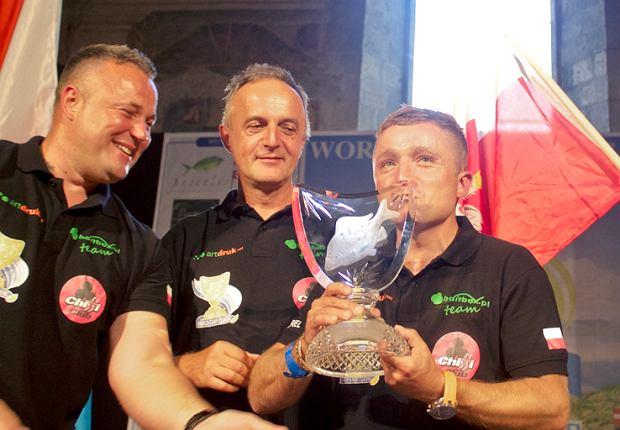 Polacy z trofeum World Carp Classic