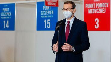 Mateusz Morawiecki w punkcie szczepień