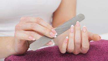 Jak piłować paznokcie