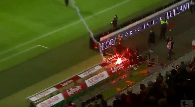 Raca trafił prosto w ławkę rezerwowych Wolfsburga.
