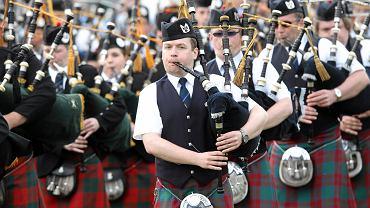 Szkoci w swoich tradycyjnych strojach