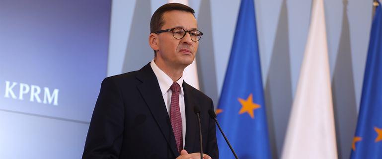 """Eksperci o wniosku premiera do TK. Ostrzegają przed """"koniecznością opuszczenia UE"""""""