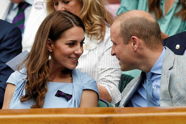 """Jak donosi """"Harper's Bazaar"""", księżna Kate i książę William odbyli tajne spotkanie z Billem Gatesem."""