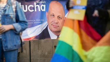 Październik 2018. Baner wyborczy ze zdjęciem Tomasza Pituchy (PiS)