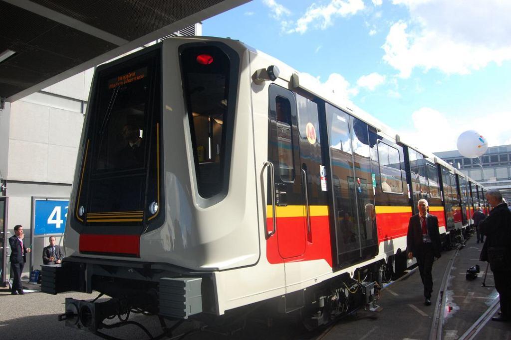 Pociąg Inspiro wyprodukowany dla warszawskiego metra przez Siemensa.