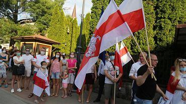 Protest przed białoruskim konsulatem w Białymstoku w poniedziałek, 10 sierpnia
