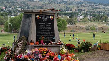 Kanada. Monument upamiętniający dzieci, których szczątki znaleziono w Kamploos