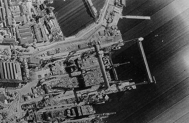 Zdjęcie radzieckiej stoczni wykonane przez satelitę KH-11, ujawnione w 1984 roku