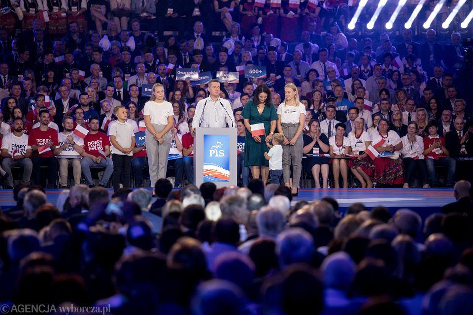 'Przeciętna rodzina' wg PiS na konwencji wyborczej Prawa i Sprawiedliwości w Lublinie, 07.09.2019 r.