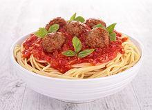 Makaron spaghetti z pulpetami w sosie pomidorowym - ugotuj