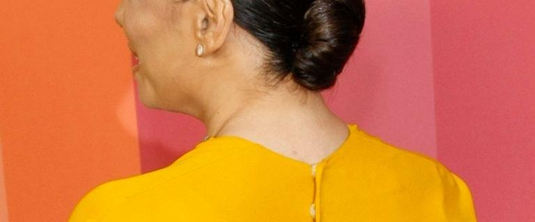 Eva Longoria zaliczyła wpadkę na czerwonym dywanie. Kolor jej twarzy znacznie różnił się od reszty ciała