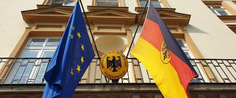 Niemiecki ambasador: Dziś flagi opuszczone są do połowy masztów