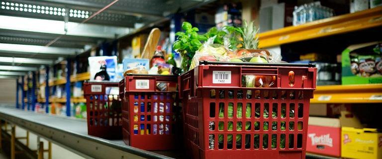 Inflacja w dół, a żywność drożeje na potęgę. Dlaczego? Jemy więcej ziemniaków niż cytryn